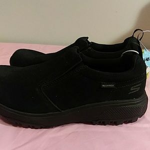 New Sketchers on the go outdoor black shoes